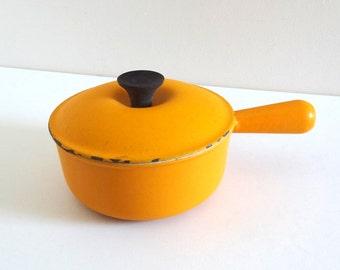 French Vintage 70s LE CREUSET Saucepan - Vintage Light Orange Enamelled Cast Iron Fondue Pot