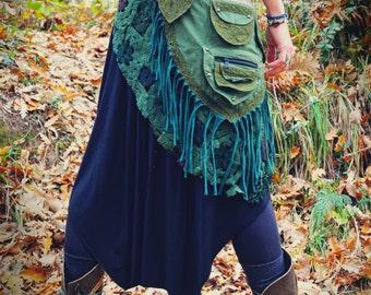 Forest Green Steampunk Skirt Belt with multiple pockets - One size, Crochet pocket belt, festival bag, pixie money belt, fringe bag