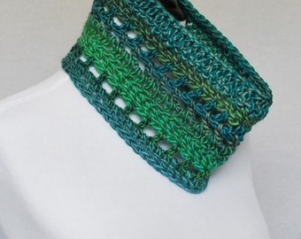 SALE! Blue Green Crochet Cowl, Short Infinity Scarf, Lacy Neck Warmer