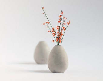 Mini vase made of concrete