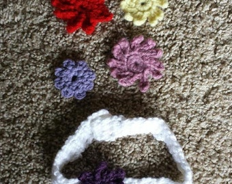 Crocheted baby headband with interchangeable flowers 0-12 months