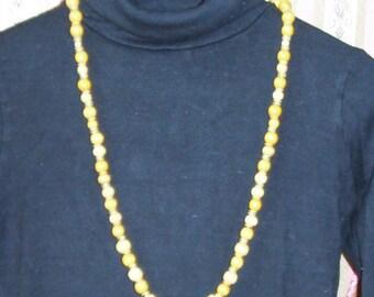 Yellow collar crisp 05