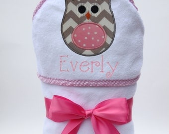 Personalized Hooded Towel Chevron Owl for Baby Girl or Toddler Girl