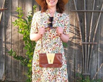 60s Faux alligator purse / caramel cream shoulder bag / gold chain hardware / Hill and Dale fashion