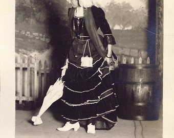 Woman In Wild EDWARDIAN HAT and DRESS Carrying a Parasol Photo Postcard 1909