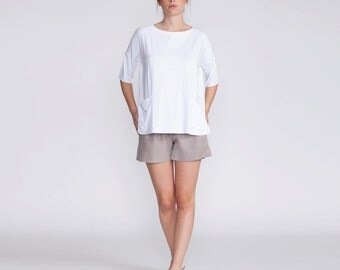 Women top, white t-shirt, oversized, shirt , 3/4 sleeves, blouse, summer top, loose fit, t shirt, Crew Neck, with pockets, white, crop top