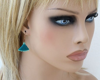 Triangle Minimalist Earrings, Peyote Womens Earring, Geometric Earrings, Seed Beads, Beaded Jewelry, Beadwork Triangles, Teal Mint Copper