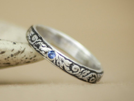 Tendril and Vine Wedding Band with Inset Blue Sapphire in