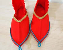 Slippers 40s shoes Slip ons Red felt slipper womens size 7-8 Turkish slippers harem shoes handmade one of a kind fashion
