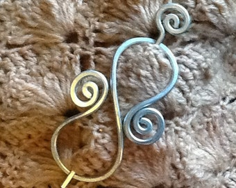 Sturdy DECORATIVE BROOCH, Hair Pin or Shawl Pin made with Aluminum Wire - Elegant and Decorative Pin/Brooch to gift on December
