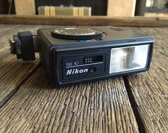 ON SALE - Vintage Nikon Camera Flash - Nikon Speedlight SB-10 - Nikon Camera Flash - Nikon Camera Accessories