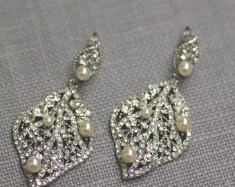 Leaf Bridal Earring- Wedding Jewelry, Crystal Earrings, Drop Earrings, Chandelier Earrings, Ivory Pearls, White Pearls