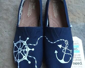 Anchor TOMS w/ Ship Wheel