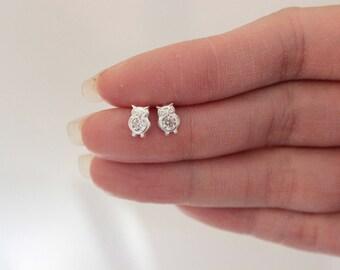 Beautifull CZ Diamond Owl Stud Earrings, Cute Annimal Earrings, Tiny sterling silver earrings, Children Earrings, Forest,  Everyday jewelry