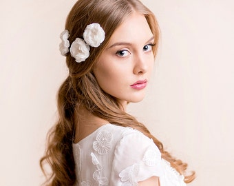 Bridal Flower Hair Pins Ranunculus - Wedding Hair Pins - Bridal Hair Accessory - Wedding Hairpiece - Chiffon Headpiece