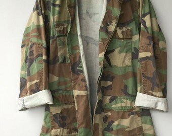 Mens Vintage Camo Jacket US Military Shirt Woodland Camouflage Faded Distressed Small