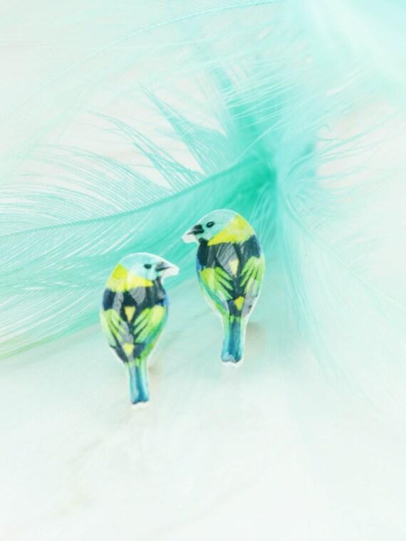 Stud bird earring - colorful - bird earring - resin