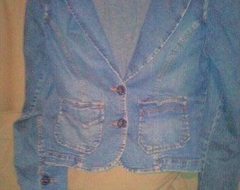 Womens vintage jean jacket/b;azer size M