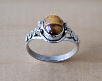 Tiger's eye Ring Cabochon ring in Sterling Silver Size 6.5
