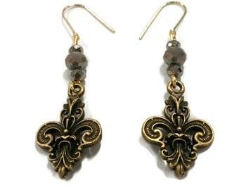 Fleur De Lis Earrings, Fleur De Lis Charm Earrings, Charm Earrings, Vintage Bronze Charm Earrings, Vintage Earrings