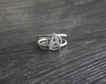 Star Trek Silver Ring. Sterling Silver Star Trek Ring. Geek Ring. Star Trek Jewelry. Geek Jewelry. Sci Fi RIng. Fandom Jewelry.