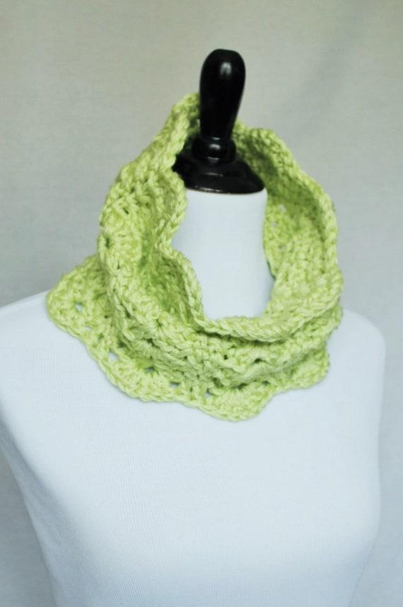 Green Crochet Cowl, Scalloped Neck Warmer, Infinity Scarf, Collar - Lacy Crochet, Light Pastel Gree, Celadon, Yellow Green