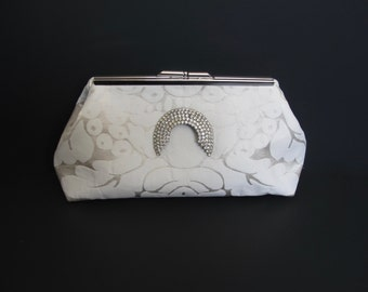 Art Deco vintage inspired silk damask clutch, ivory clutch, off white clutch, silk clutch, bride clutch with vintage rhinestone pin