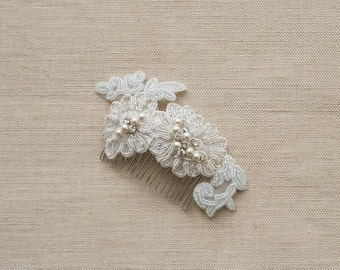 Bridal Hair Comb, Lace Headpiece, Beaded Lace Hair Comb, Lace Bridal Hair Accessories, Wedding Lace Comb Lace Bridal Hairpiece Ivory Silver