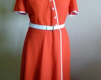 Style 40's red dress