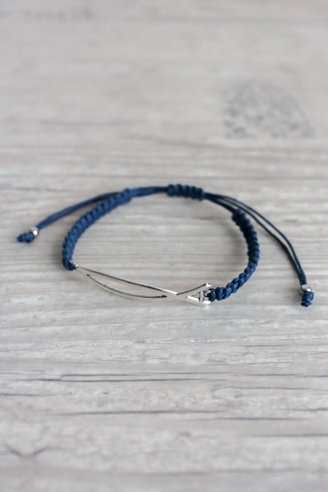 Mens bracelet with sign of fish blue macrame bracelet for Mens fishing bracelet