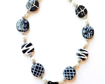 black and white flower necklace and earring set