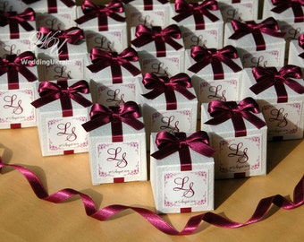 Custom Wedding bonbonniere - White candy box with Plum satin ribbon, bow and custom names - White textured favors gift box