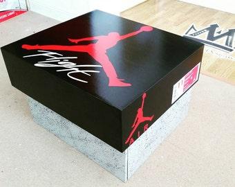 Air Jordan Retro 4 Lifesize Shoebox !