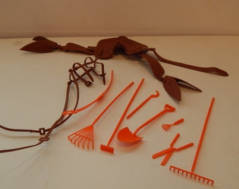 Vintage Barbie Horse Bridle and Saddle and Stable tools  Mattel 1980s Lot of 10