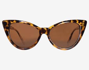Tortoise Vintage Cat Eye 90s Deadstock Sunglasses