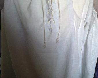 Civil War shirt,Pirate shirt,pioneer shirt,pilgrim fathers,pioneer,LARP,SCA,Tudor,Medieval,Renaissance,white lace up shirt,Knights,Barons