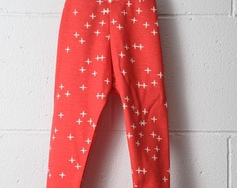 ON SALE - 0-3m  100% Organic Cotton Baby/Toddler/Leggings / Tomato Red with Winks