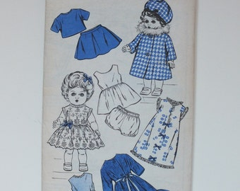 Woman Vintage Sewing Pattern for set of Doll's Clothes size 16 W 430 dress coat hat jumper suit petticoat pants nightie dressing gown