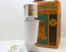 Vintage Iona Dairy Bar, Electric Drink Mixer with Plastic Container, Model DM-1 With Box, White and Chrome, 1960s