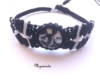 Black and white micromacrame bracelet