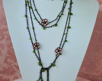 Crocheted necklace black with pink flowers and gemstone Green