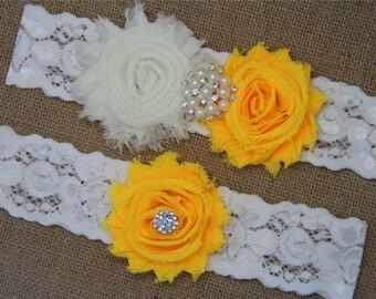 Ivory and Daffodil Wedding Garter,Bridal Garter Set,Keepsake Garter,Toss Garter,Ivory Lace Garter,Ivory Wedding Garter Belt - 425