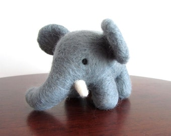 Needle Felted Elephant, Felt Elephant, Needle Felted Animal, Miniature Elephant Figurine, Elephant Decor, Elephant Art Toy, Elephant Gift