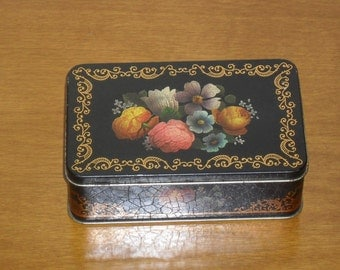Vintage tin container, vintage tin box, tin box, kitchen decor, country home decor, tin box, for her, vintage home decor, flowery tin box