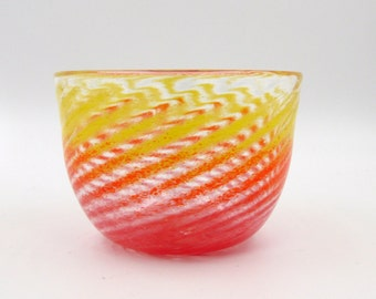 Red and Yellow Glass Bowl, Fruit Bowl, Red Spiral Bowl, Saffron Glassware, Cherry Red Dish, Hand Blown Glass Bowl, Sunset Glassware