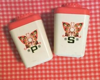 Vintage Orange/white/Butterfly plastic salt and pepper shakers