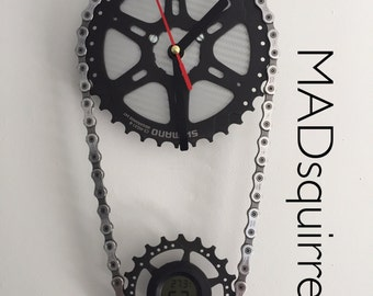Double Bicycle Sprocket and Chain Clock with Temperature and Humidity Display