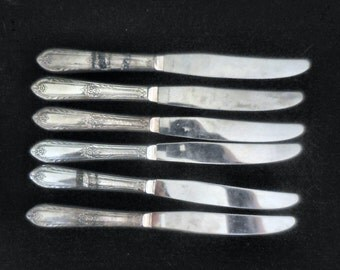 Set of 6 Rogers International Silver Plate Dinner Knives in the Cotillion pattern 1930s