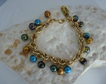 Metalic cultured pearls charm bracelet