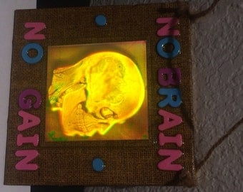 No brain no gain 3D hologram collage
